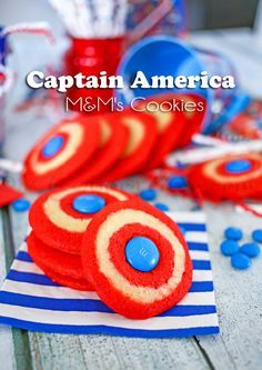 Don't know why but I think these little cookies are so cute! Captain America MandM's Cookies Captain America Party, Captain America Birthday, Capt America, Avengers Birthday, Superhero Birthday Party, Birthday Ideas, 4th Birthday, Anniversaire Captain America, M M Cookies