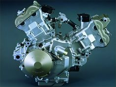 The legendary RC51 engine. Honda's answer to Ducati's WSBK domination of the 90's.