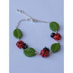Bracelets Coccinelle ornée de petite feuille en fimo : Bracelet par jl-bijoux-creation