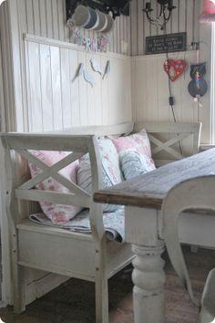 Tove Sammensurium: Blank sheets ....