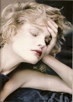 Natalia Vodianova photographed by Paolo Roversi - Elle France: December 2008 - Divine Vodianova