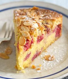 The divine combination of raspberries and almonds makes for a gorgeous fruity cake. Raspberry And Almond Cake, Raspberry Recipes, Almond Recipes, Baking Recipes, Dessert Recipes, Almond Pudding Recipe, Orange And Almond Cake, Food Cakes, Cupcake Cakes