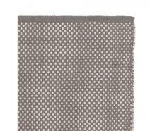 Nat�rliche Baumwolle ist die Basis unseres L�ufers Ervadi, der in traditioneller Handwerkskunst von unseren zertifizierten Partnern in Indien geknotet wird. Ein einzigartiges Punktemuster sorgt f�r gute Laune und l�sst den Boden in Ihrem Zuhause in neuem Glanz erstrahlen. Kombiniert mit einer rutschfesten Unterlage bleibt der L�ufer an Ort und Stelle.