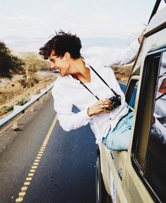 In which Louis starts as a fanboy, and Harry is a famous popstar {It… # Fanfictie # amreading # books # wattpad Styles Harry, Harry Styles Pictures, Harry Styles Imagines, Harry Edward Styles, Harry Styles With Baby, Harry Styles Update, Beautiful Boys, Pretty Boys, Cute Boys