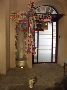 Segni di confine, Enzo Bianco (ceramica, pietra ed acciaio corten)