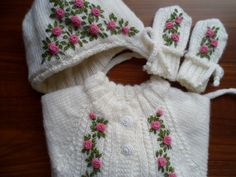 embroidered roses Embroidered Roses, Baby Knitting, Crochet Baby, Winter Hats, Projects To Try, Tricot