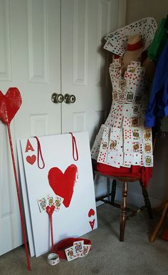 Off With Their Heads! ♥ Queen of Hearts costume diy Alice in wonderland #queenofhearts #halloween2016 #offwiththeirheads❤️
