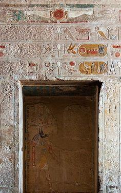 Story Buildings of Egypt :: Temple of Queen Hatshepsut