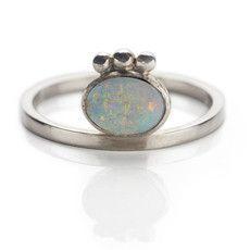 Anel de prata com opala
