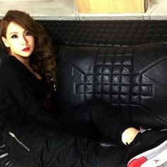 Perfect mix of sexy and cool! CL!