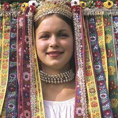 "Wedding head-wear ""parta"" from village Veľký Lom, Novohrad region (or sometimes Poiplie), Southern Central Slovakia. We Are The World, People Around The World, Carmen Miranda, Bratislava, Folk Costume, Costumes, Wedding Hats, Wedding Dress, World Cultures"