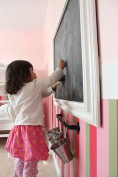 Cute if you don't want to commit to painting your whole wall! Perfect! Framed chalkboard tutorial! Doing this soon for toy room :) Toy Room Makeover, Toy Room Ideas #kids