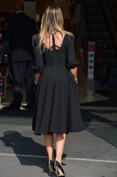 Only Sarah Jessica Parker Superfans Will Recognize These Dresses Pretty Dresses, Beautiful Dresses, Carrie Bradshaw Style, Star Fashion, Fashion Trends, Sarah Jessica Parker, Classy Dress, I Dress, Plus Size Fashion