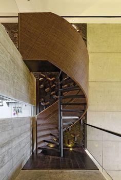 Carpediem Restaurant / Sidharta Architect  © Fernando Gomulya. Spiral Stair Treatment. Rattan.