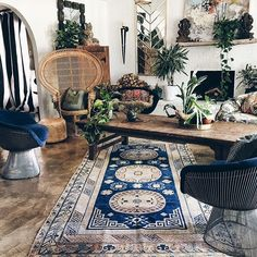 This antique @abccarpetandhome rug is the perfect addition to my living room. Find your handmade beauty at abchome.com during their Annual Antique Rug Sale, going on now!! #abcCarpet #loomtoroom #antiquerugs