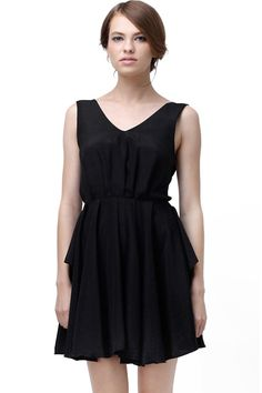 ROMWE   Cut-out Back Pleated Black Dress, The Latest Street Fashion US$33.00
