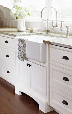 Farmhouse Sinks Are Not Only Easy On The Eyes They Extremely Functional Take