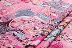 Dupioni/douppion/doupioni pure mulberry silk by LazyRuler on Etsy, $22.05  WOW, nice palace printing