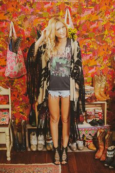 The gorgeous and very talented Corina of Wild & Free rocking an edgy, boho chic outfit. Love!!