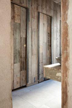 Höst Restaurant' s Wabi Sabi style restrooms by Norm Architects copenhagen Design Hotel, Restaurant Design, Restaurant Bad, Restaurant Bathroom, Wabi Sabi, Interior Architecture, Interior And Exterior, Toilette Design, Restroom Design