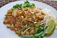 Healthy Vegetarian Spaghetti Squash Pad Thai - Casey's new favorite...I have added chicken and in place of bean sprouts I use cheater bags of broccoli and carrot strips