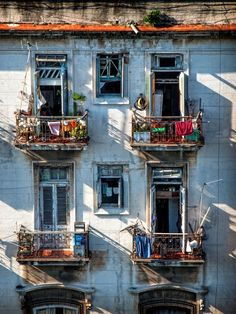 (via La Habana, Cuba | Windows | Pinterest)