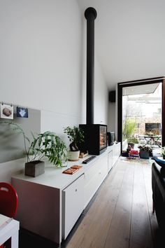 Poêle à poser - Stuv cube House Design, House, Home, Wood Stove Hearth, Building A House, Living Room Decor, Lounge Room, Interior Design, Kitchen Design