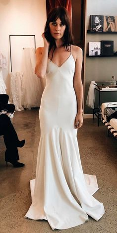 36 Absolutely Gorgeous Destination Wedding Dresses Lightweight skirts, soft lace and sweetheart or spaghetti strap perfect for destination wedding dresses. Style of this brial gowns allows flirty images. Western Wedding Dresses, Best Wedding Dresses, Boho Wedding, Bridal Dresses, Wedding Styles, Wedding Gowns, Dream Wedding, Trendy Wedding, Wedding Simple