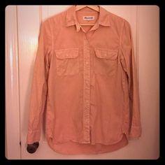 Madewell Peach Ex Boyfriend Shirt Pretty peach Ex Boyfriend shirt from Madewell.  Size XS Madewell Tops Button Down Shirts