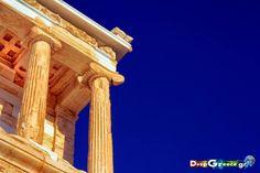 Ναός Αθηνάς Νίκης - Λεπτομέρεια   Colours of Greece - Ionic temple of Athena Nike - Detail   Στηρίξτε και διαδώστε την σελίδα με τις πιο καταπληκτικές φωτογραφίες τοπίων για την γη της Αρκαδίας και όχι μόνο https://www.facebook.com/DeepGreece.gr