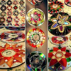 #surtoscriativos; #artesanato; ; #handmade; #handcraft; #fattoamano; #hechoamano; #feitoamao; #euquefiz #dreamcatcher; #filtrodossonhos; #mandala; #koch; #ojosdedios; customizacao; #custmizaçao; #custom; #falsovitral; #CD; #reducerecyclereuse; #3rs; #tintasgatopreto #tintasacrilex; #crochet; #bolsa; #mochila; #barbante; #sketch; #paint; #rabisco; #mikoch