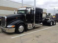 Peterbilt 386, Custom Peterbilt, Peterbilt Trucks, Big Rig Trucks, Semi Trucks, Cool Trucks, Custom Big Rigs, Custom Trucks, Customised Trucks