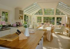 012 Roof Light and conservatory for kitchen and sitting area on Cotswold house Malbrook orangery Style At Home, Conservatory Kitchen, Orangery Extension Kitchen, Conservatory Ideas, Cotswold House, Casas Containers, Open Plan Kitchen, Kitchen Ideas, Kitchen Designs