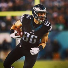 4d72fb48c Injury Updates: Philadelphia Eagles TE Zach Ertz (Hamstring) is listed as  Questionable vs