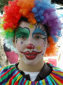 Clown Face Painting Flowers, Face Painting Designs, Body Painting, Samhain Halloween, Halloween Make Up, Circus Costume, Boy Costumes, Carnival Party Decorations, Clown Face Paint
