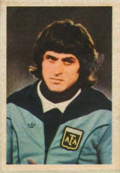 003 - Ubaldo Fillol (Argentina) - Goalkeeper. He is the goalkeeper of C.A. River Plate. He was born on July 2nd 1950.