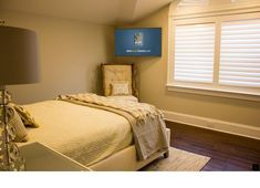When And How To Place Your TV In The Corner Of A Room corner-TV-bedroom-placement – Heimkino Systemdienste Bedroom Tv Stand, Bedroom Tv Wall, Bedroom Corner, Bedroom Furniture, Wall Tv, Corner Wall, Master Bedroom, Corner Tv Mount, Mount Tv