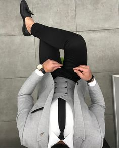 Jacket vest 199 - Suit World Indian Men Fashion, Mens Fashion Suits, Mens Suits, Classy Suits, Classy Men, Grey Jacket Black Pants, Grey Suit White Shirt, Black Belt, Black Tie