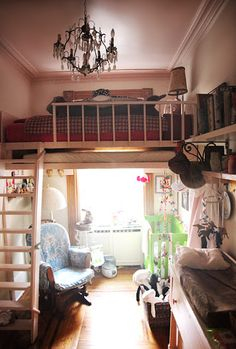 Adult bunk bed'(Loft) Maybe I can convince my future husband =)) Won't be functional when I am old though... HRM