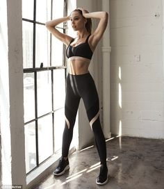 Alexis Ren on how she learned to love herself after an eating disorder is part of Alexis ren workout - The Californian recently debuted her own range of activewear, called Ren Active, a collaboration with designers Karl and Jaynee Singer Moda Fitness, Sport Fashion, Fitness Fashion, Gym Fashion, Fitness Wear, Alexis Ren Workout, Sport Look, Model Training, Fitness Models
