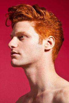 Fotógrafo cria projeto mostrando toda beleza de homens ruivos ~ Pêssega d'Oro