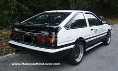 Toyota Trueno AE86 rear view