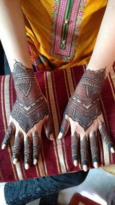 Kashee's Mehndi Designs, Heena Design, Mehndi Design Pictures, Mehndi Images, Kashees Mehndi, Pakistani Mehndi, Henna Hands, Hand Henna, Mahndi Design
