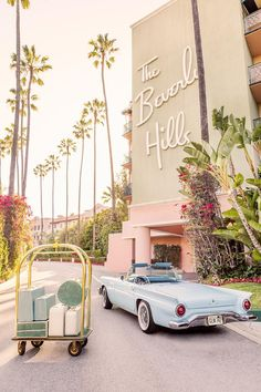 Gray Malin's Beverly Hills Hotel Photos Are A Retro Trip Back In Time — Carrie Nelson & Co. Bedroom Wall Collage, Photo Wall Collage, Picture Wall, Aesthetic Iphone Wallpaper, Aesthetic Wallpapers, Beste Iphone Wallpaper, Photowall Ideas, Beverly Hills Hotel, Beverly Hills Los Angeles
