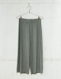 Culotte rib. Descubre ésta y muchas otras prendas en Bershka con nuevos productos cada semana