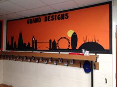 London skyline drawn and cut out from one long piece of border roll! Classroom Door Displays, Class Displays, School Displays, The London Eye Mystery, Display Boards For School, London Decor, Mandarin Language, Great Fire Of London, Walks In London