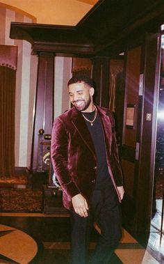 Listen to every Drake track @ Iomoio Artist Aesthetic, Music Aesthetic, Bad Girl Aesthetic, Aesthetic Photo, Aesthetic People, Drake E, Drake Drizzy, Drake Fashion, Drake Photos