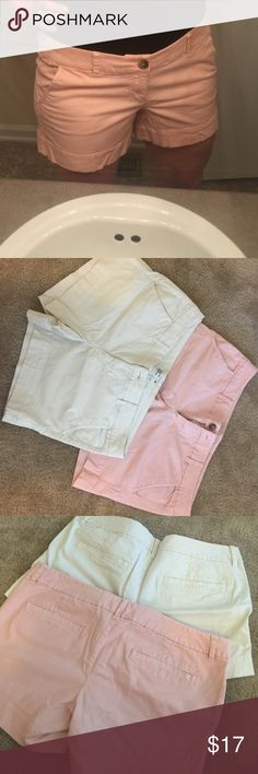 MIDI AEO twill shorts. Bundle! Bundle! Good condition. 2 pair AEO midi twill shorts, will sell separately or together! $17 together or $10 for one pair! American Eagle Outfitters Shorts