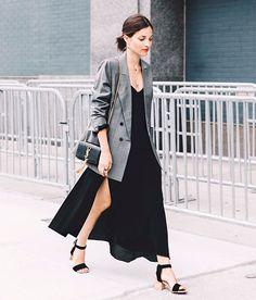 blazer-longo-cinza-vestido-fenda-preto-sandalia-coque