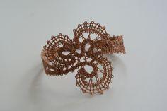 Lace Jewelry, Jewelry Crafts, Wedding Jewelry, Lace Art, Lace Bracelet, Lacemaking, Bobbin Lace, Crochet Accessories, Irish Crochet
